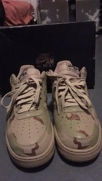 pair of white Nike Air Huarache shoes Middletown, 06457