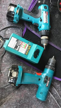 Two makita cordless power drills w/charger(50)