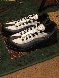 Pair of white-and-black vans sneakers New York, 11213