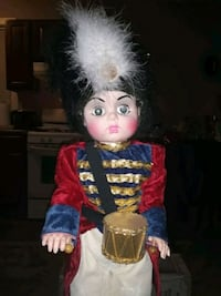 VINTAGE RARE 30 INCHES TALL DRUMMER BOY