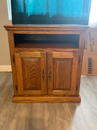 brown wooden cabinet with cabinet Woodbridge, 22192