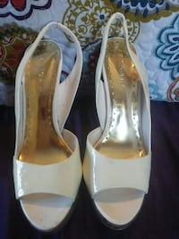 BCBG White Open Toe Sharpsville, 16150