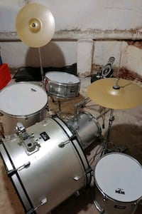 Drum set that is new and never been used