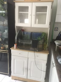 White wooden framed cabinets  Pickering, L1X 2T1