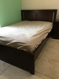 Brown Frame, Full Size Bed w/ Dresser Longwood, 32750