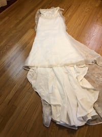 Wedding dress size 10 pick best offer up only