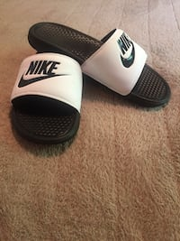 Brand New Nike Sandals - Size 9 - $20 OBO Red Deer, T4N 1J1
