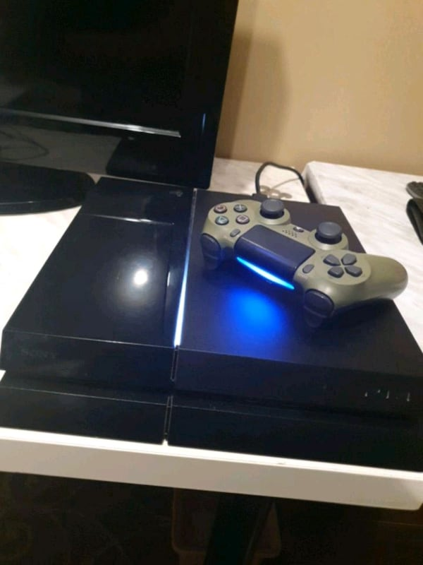 PlayStation 4 console 0