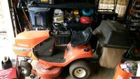 Kubota t1460 riding mower with catch bags. Hydrostatic transmission Rockville, 20853