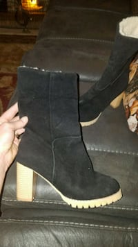 New suede boots size 8