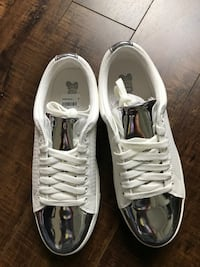 Pair of Brash white shoes brand new with box New Westminster, V3L 3C6