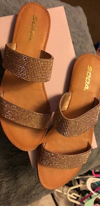 Sandals size ten  Los Angeles, 91406