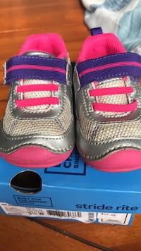 Stride Rite Shoes size 3.5 w  Ashburn, 20147