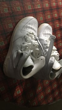 Pair of white Nike Air size 11.5 Leesburg, 20175