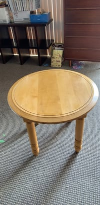 round brown wooden side table Irvine, 92618