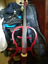 guitar ask him is a bass guitar asking for $1,000 Weymouth, 02188