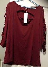 New top - keyholes in arms burgundy color 2x Vaughan, L4L 1S2