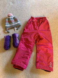 Snow pants, mittens and hat