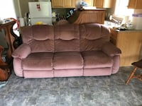 Lazy Boy 3 seater couch Guelph, N1E