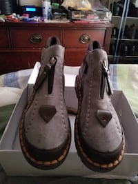 Ladies boots size 11m  Upper Marlboro