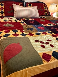 Beautiful colorful queen comforter with 2 shams