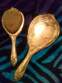 Vintage hair brush and matching mirror Vancouver, 98683