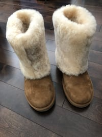 pair of brown sheepskin boots Toronto, M9C 1A8