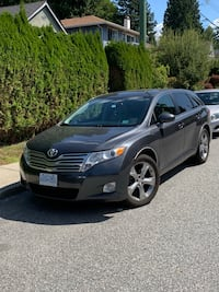 2010 Toyota Venza AWD V6 only 80,500KM ! No accidents North Vancouver