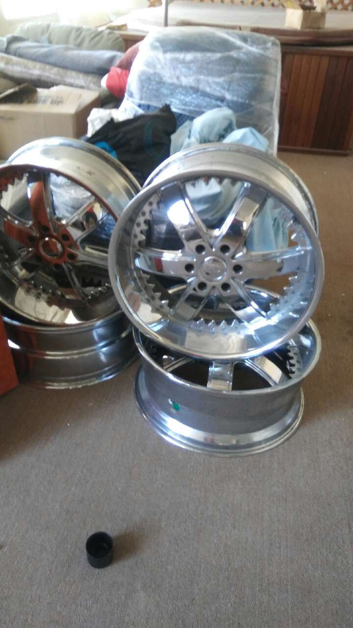 Bad ass 22s. Barely used. 6 lug 5.5 chevy and gmc