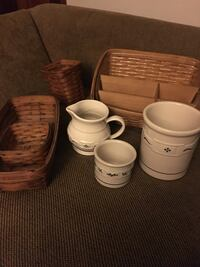 Longaberger baskets (4), Ceramic crocks (2) & Pitcher (2) Newark, 19711