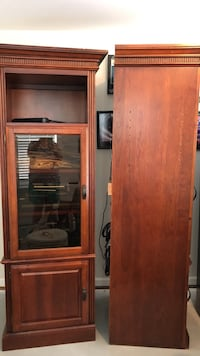 two wood cabinets in mint condition ready for pick up! Stafford, 22554