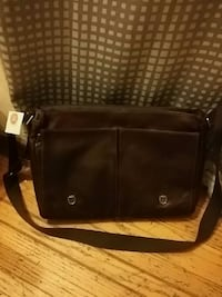 Leather hand bag New Westminster, V3M 2S4