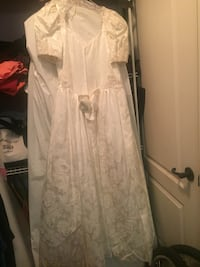 Wedding dress Calgary, T2R 0S3