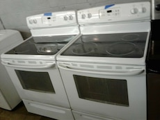 Electric stove good condition very clean