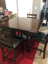 Counter Top Dinning Table Chairs Set  Las Vegas, 89107