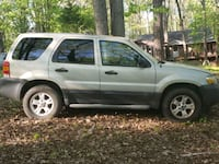 2005 Ford escape..parts only Cleveland