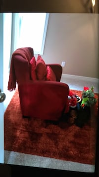 Red chair 100 rug 75 throw 45 3162 km