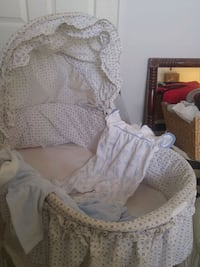 Bassinet and sleepers Louisville, 40208