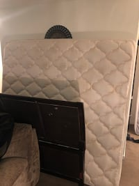 Quilted white and black mattress 105 mi