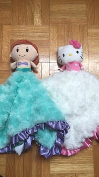 Ariel and hello kitty baby blanket (9 ea) Richmond Hill, L4S 1V7