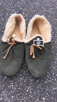 pair of gray UGG sheepskin boots Port Coquitlam, V3B 3R7