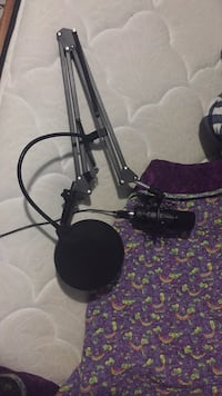 studio mic, used once. very new mint condition Central Elgin, N0L