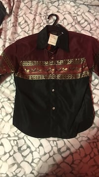 maroon and black floral button-up collared shirt Rohnert Park, 94928
