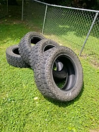 35x12.50x20 tires  Harpers Ferry, 25425