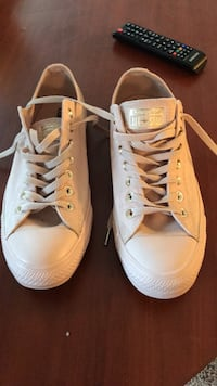 Rose gold converse size 11  Fairview Heights, 62208