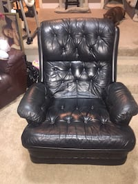Black leather recliner  Maple Ridge, V2X