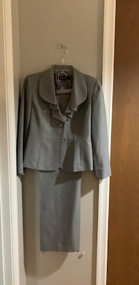 Kasper  Grey Pansuit 6P Stephens City, 22655