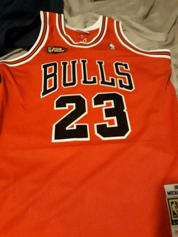 brand new da614 67601 Mitchell and Ness Authentic Michael Jordan jersey