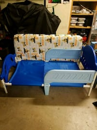 Toddler bed with mattress, minions fitted sheet and blanket included