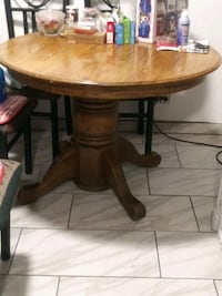 gonna be giving away this weekend a wooden table and 4 chairs